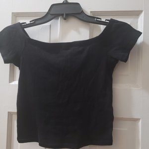 Short-Sleeve Crop Top by H&M. Size S